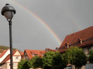 Doppelter Regenbogen über Wasungen