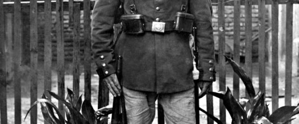 Fotorestauration: Deutscher Soldat, 1914