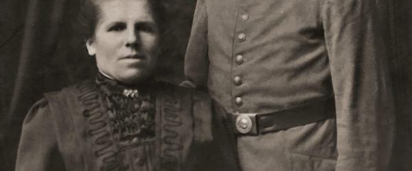 Deutscher Soldat mit Ehefrau, 1915
