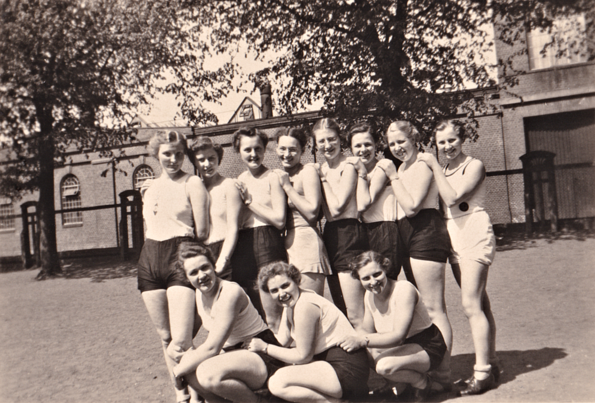 Damensportgruppe, Neumünster, 1937