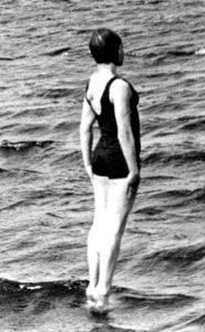 Badenixe tanzt auf dem Wasser