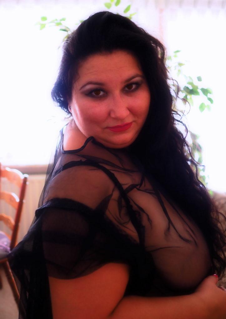 Black Lingerie (Plus-Size Model: Elena Ramona Savu)