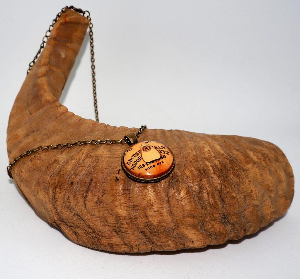 Ouija-Halskette