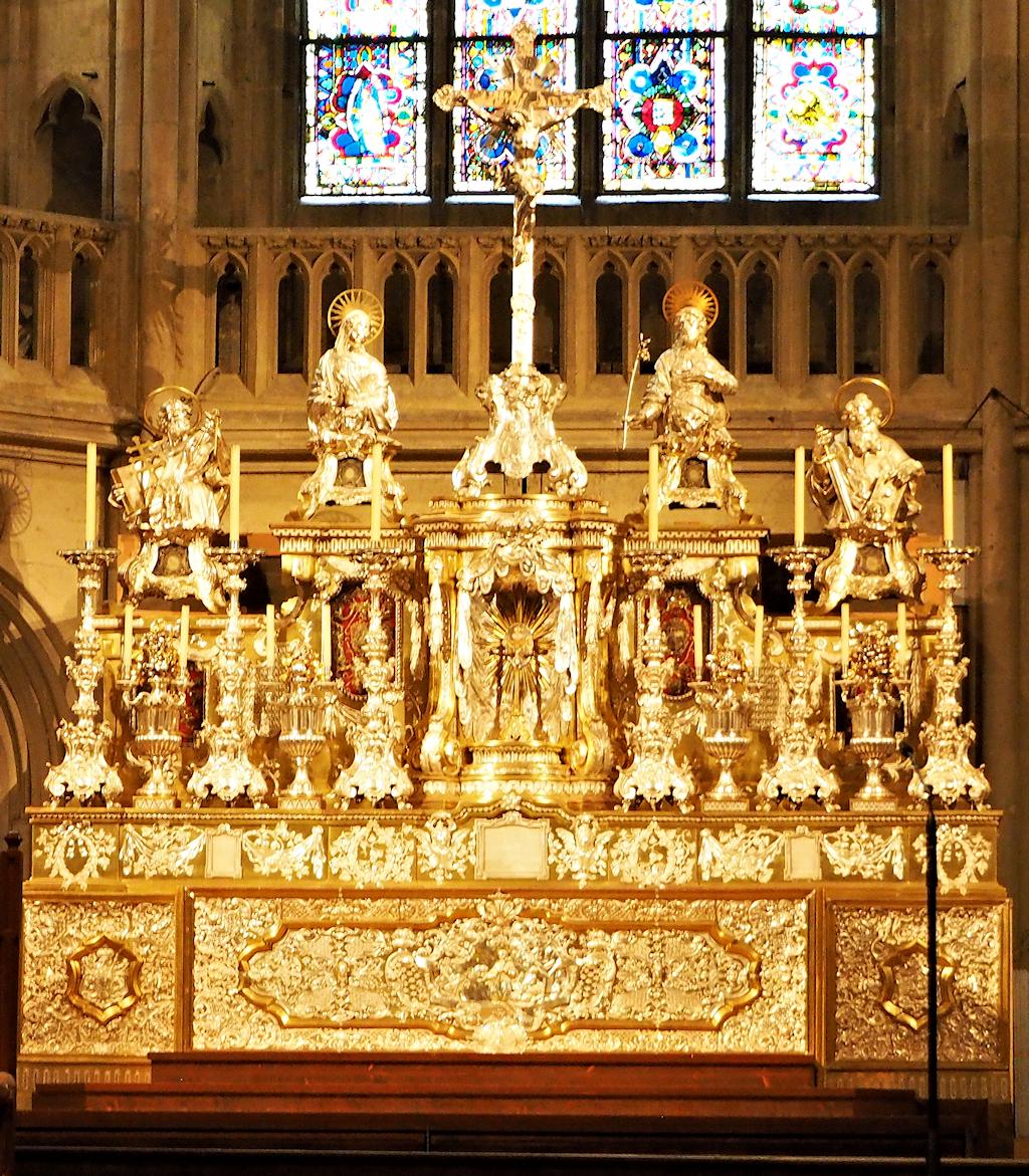 Altar im Regensburger Dom